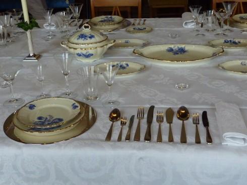 gedekte tafel op zijn Frans